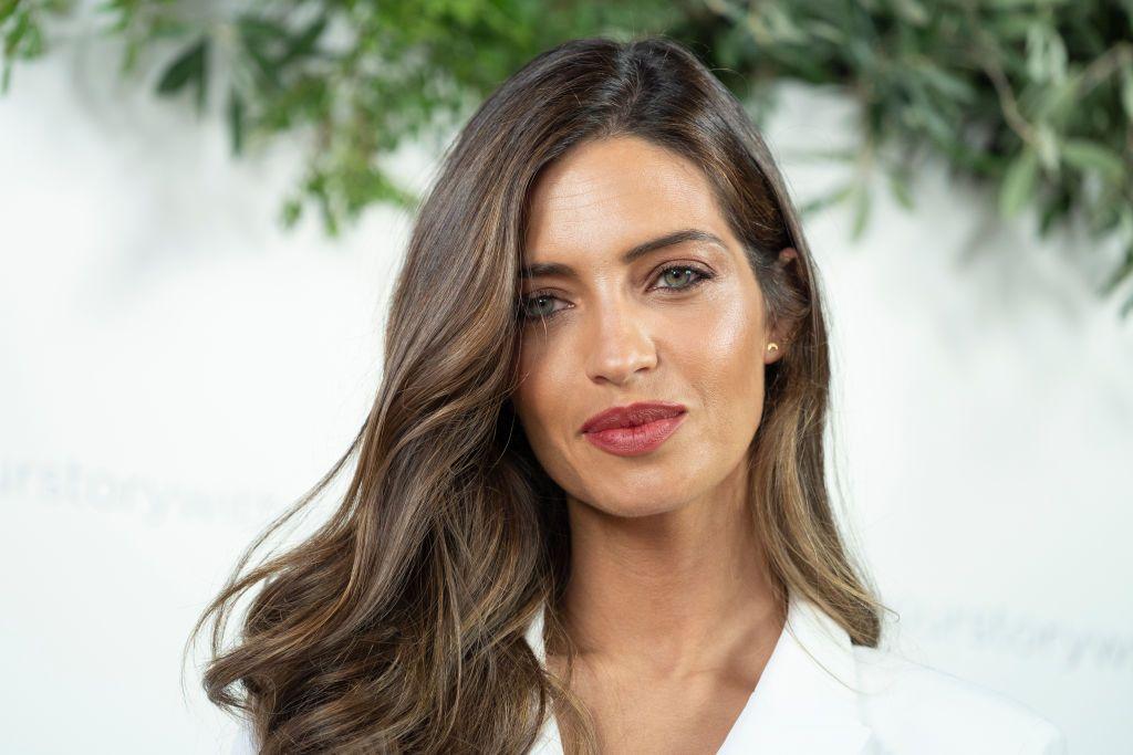 Sara Carbonero y el look de invitada perfecto (verano mediante)