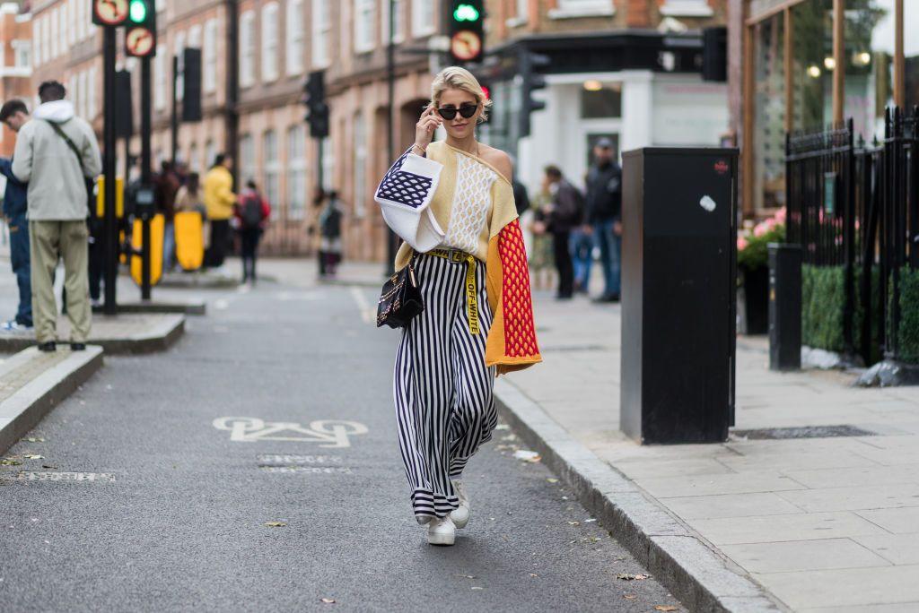 Estos pantalones diseñados por Marimekko para Uniqlo tienen un estampado que te facilitará la vida