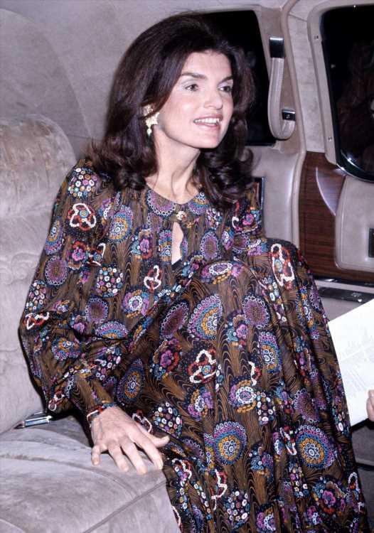 Zara tiene el vestido boho más bonito de Jackie Kennedy