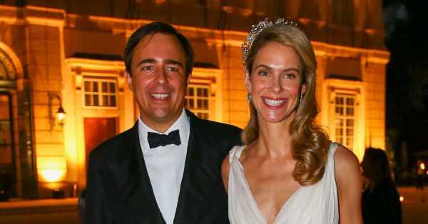 ¡Segundo 'look' nupcial! María Anunciata de Liechtenstein cambia de vestido y de tiara para la recepción de su boda