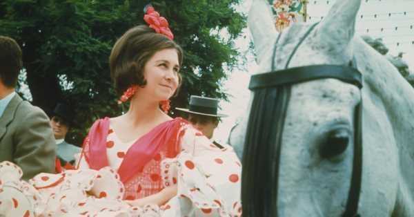 Adiós a Lina, la diseñadora sevillana que vistió de faralaes a Grace Kelly y la reina Sofía