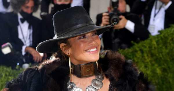 Jennifer Lopez se viste de cowgirl para la Met Gala 2021 (y sí, estaba Ben Affleck)