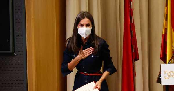 La reina Letizia vuelve a su universidad para dar un discurso lleno de anécdotas de estudiante: Ortiz a pesada no tiene rival