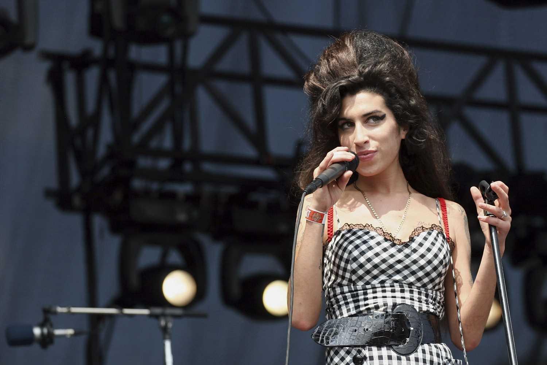 Los looks más emblemáticos de Amy Winehouse, a subasta