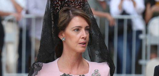 Sofía Landaluce impacta con mantilla negra en la boda de su hijo