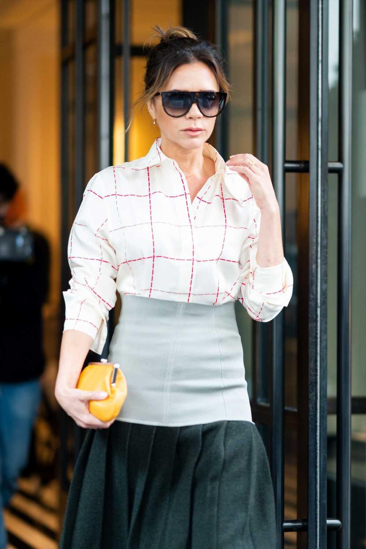 Victoria Beckham y el vestido rojo ideal para llevar todo el año