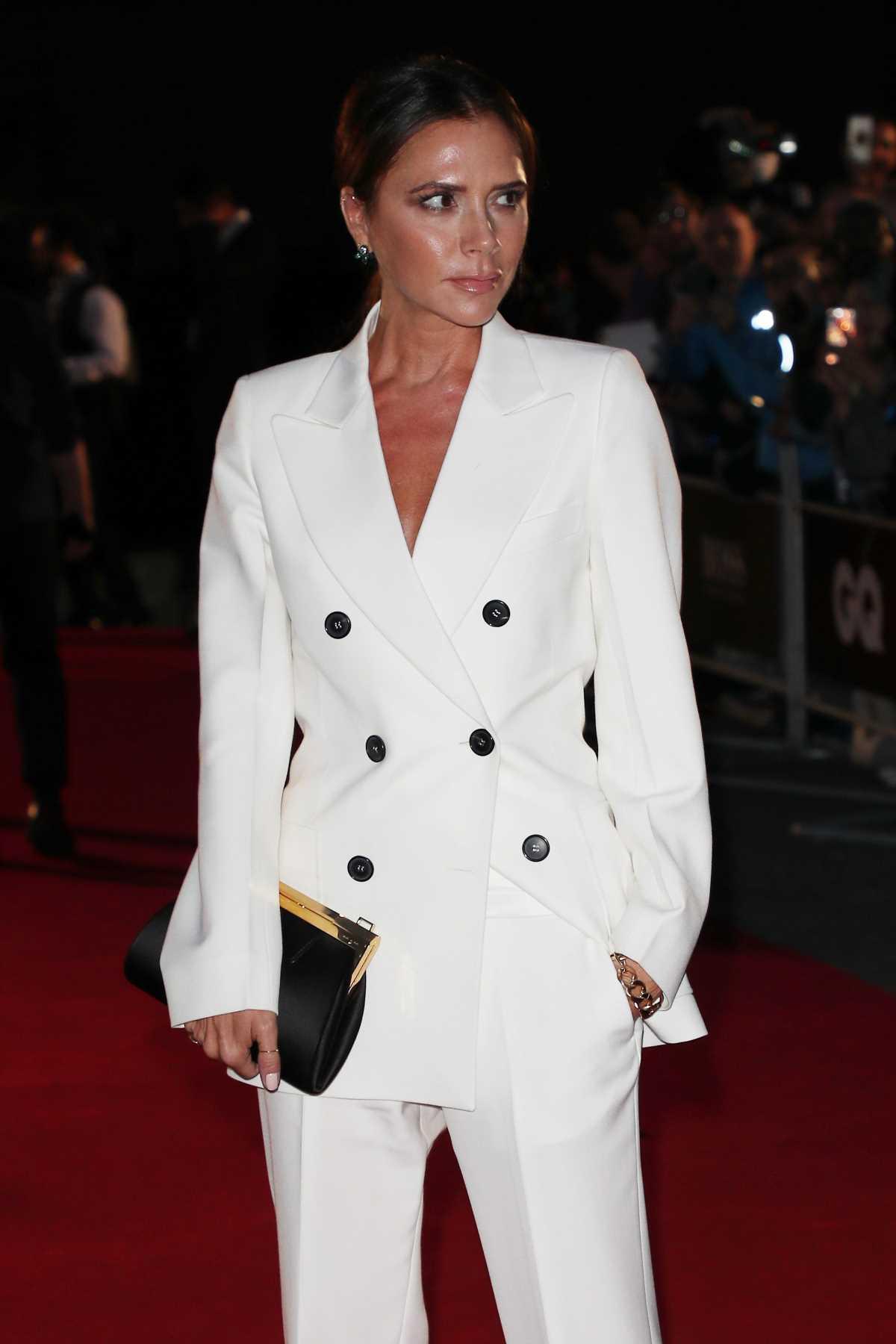 Victoria Beckham y los mocasiones con tacón cómodo perfectos