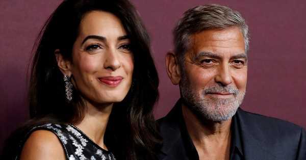 Amal Clooney: lección de elegancia con sandalias y pendientes de brillantes a juego