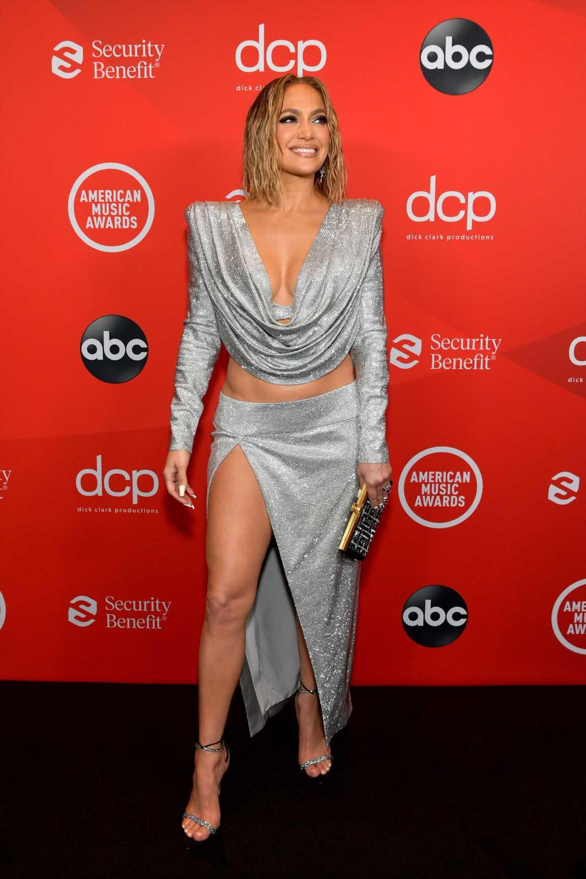 Así combina Jennifer Lopez las botas altas o mosqueteras