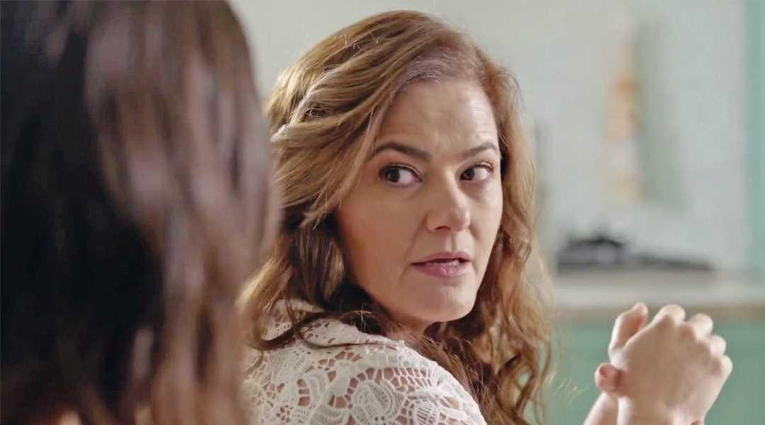 Avance diario de 'La reina soy yo': Consejos de madre