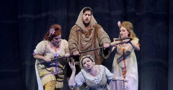 Cuéntame un cuento: el Teatro Real abre la temporada con una 'Cenerentola' en la que todo es juego