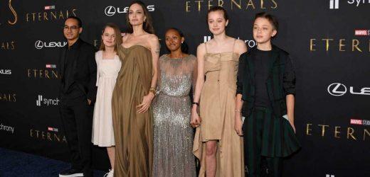 El cambio de look de Shiloh Jolie-Pitt con un vestido de Angelina