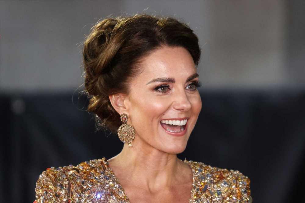 El vestido dorado con lentejuelas de Kate Middleton puede ser tuyo