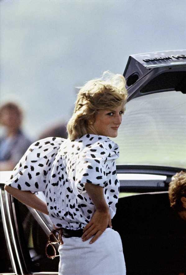 La blusa más famosa de Lady Di llega a Zara (y será tendencia)