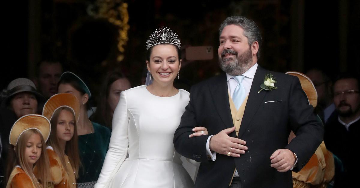 La tiara Lacis de Chaumet: la espectacular joya de 440 diamantes del look de novia de Rebecca Bettarini