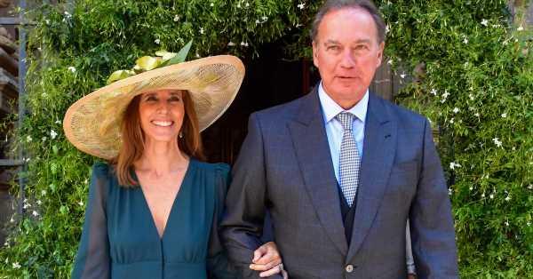 María Carrión, una elegante madrina y la invitada más sofisticada de la boda de su hijo
